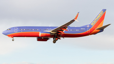 N8633A - Boeing 737-8H4 - Southwest Airlines
