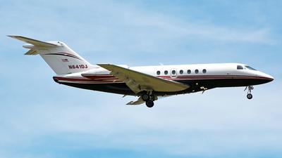 A picture of N641DJ - Hawker 4000 Horizon - [RC33] - © Robert Maverick Rivera