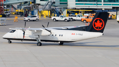 A picture of CFRUZ - De Havilland Canada Dash 8300 - [293] - © Aaron Miles