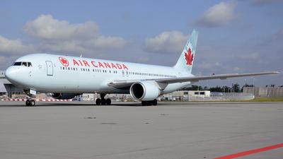 C-GHLK - Boeing 767-35H(ER) - Air Canada