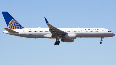 A picture of N17105 - Boeing 757224 - United Airlines - © Xiamen Air 849