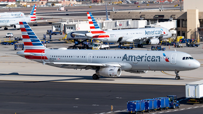 A picture of N579UW - Airbus A321231 - American Airlines - © Ricky Teteris