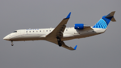A picture of N961SW - Mitsubishi CRJ200LR - United Airlines - © Ethan Peters