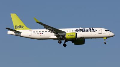 YL-AAT - Airbus A220-371 - Air Baltic