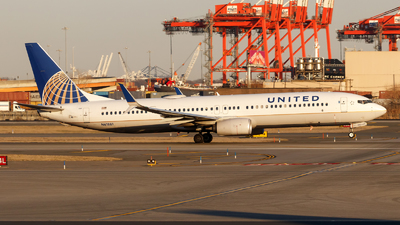 A picture of N61881 - Boeing 737924(ER) - United Airlines - © Oliver Richter