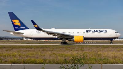 A picture of TFISN - Boeing 767319(ER) - Icelandair - © Sebastian Sowa