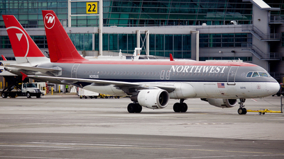 N315US - Airbus A320-211 - Northwest Airlines