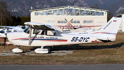S5-DYC - Cessna 172R Skyhawk II - Flight school Jus