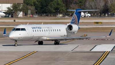 A picture of N951SW - Mitsubishi CRJ200LR - United Airlines - © Positive Rate Photography