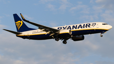 A picture of EIESV - Boeing 7378AS - Ryanair - © Holm H