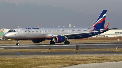 VP-BES - Airbus A321-211 - Aeroflot