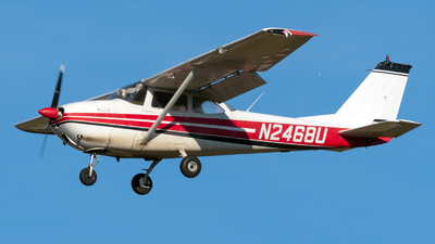 N2468U - Cessna 172D Skyhawk - Private