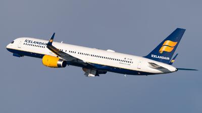 A picture of TFISK - Boeing 757223 - Icelandair - © Olivier Landes