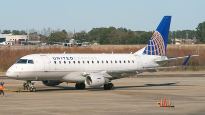 A picture of N856RW - Embraer E170SE - United Airlines - © dchun29
