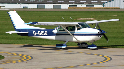A picture of GBDIG - Cessna 182P Skylane - [18263938] - © Terry Figg