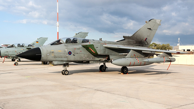 ZA462 - Panavia Tornado GR.4 - United Kingdom - Royal Air Force (RAF)