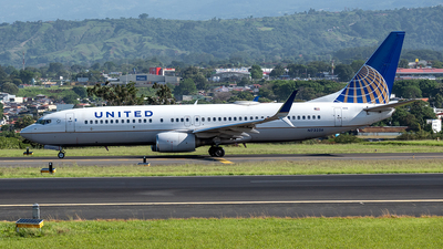 A picture of N73256 - Boeing 737824 - United Airlines - © Cristian Quijano