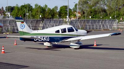 D-EAKU - Piper PA-28-181 Archer II - Private