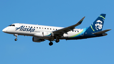 A picture of N633QX - Embraer E175LR - Alaska Airlines - © Angel Natal
