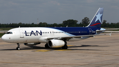 A picture of LVBOI - Airbus A320233 - LATAM Airlines - © La Roche Spotters