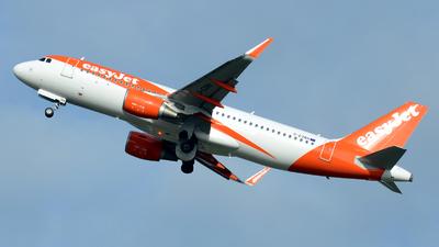 G-EZRH - Airbus A320-214 - easyJet