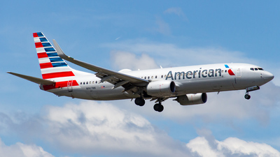 A picture of N967NN - Boeing 737823 - American Airlines - © Devon McCune
