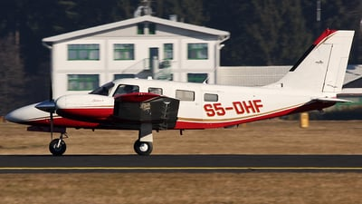 S5-DHF - Piper PA-34-220T Seneca V - Private