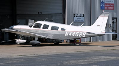 N44588 - Piper PA-32-260 Cherokee Six B - Private