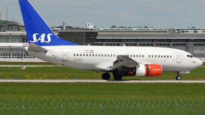 LN-RGK - Boeing 737-683 - Scandinavian Airlines (SAS)