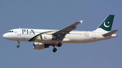 AP-BLS - Airbus A320-214 - Pakistan International Airlines (PIA)