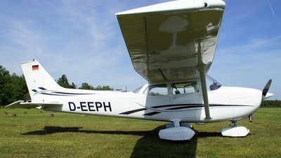D-EEPH - Reims-Cessna F172M Skyhawk - Private