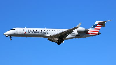 N715SK - Bombardier CRJ-701 - United Express (SkyWest Airlines)