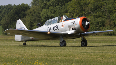 F-AZRD - North American AT-6D Harvard III - Private