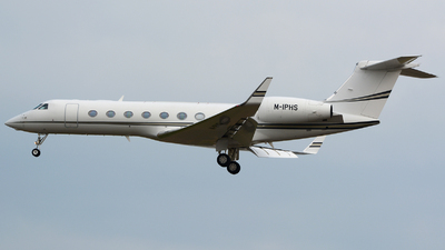 M-IPHS - Gulfstream G550 - Islands Aviation