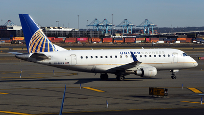 A picture of N648RW - Embraer E170SE - United Airlines - © Rocky Wang