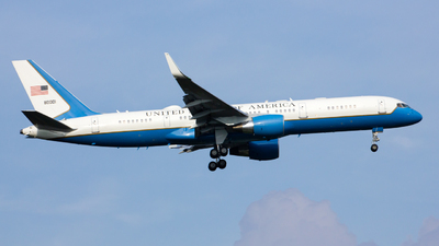 98-0001 - Boeing C-32A - United States - US Air Force (USAF)