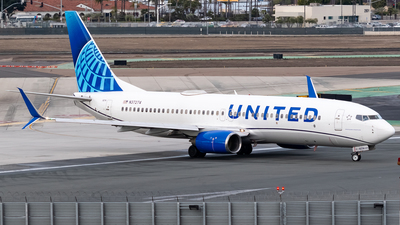 A picture of N37274 - Boeing 737824 - United Airlines - © Ricky Teteris