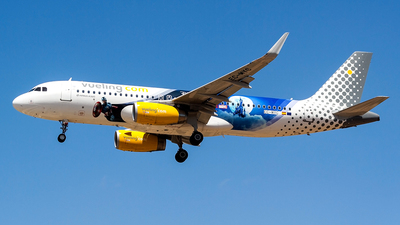 A picture of ECMYC - Airbus A320232 - Vueling - © Ray Pace