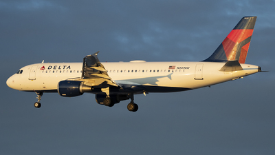 A picture of N341NW - Airbus A320212 - Delta Air Lines - © Andrew Mauro