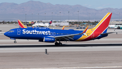 A picture of N8313F - Boeing 7378H4 - Southwest Airlines - © Yixin Chen