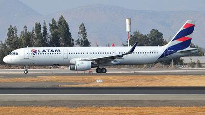 CC-BEK - Airbus A321-211 - LATAM Airlines