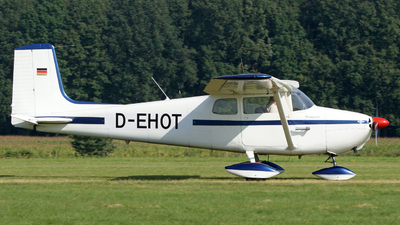 D-EHOT - Cessna 172 Skyhawk - Private