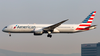 A picture of N826AN - Boeing 7879 Dreamliner - American Airlines - © Andre M.