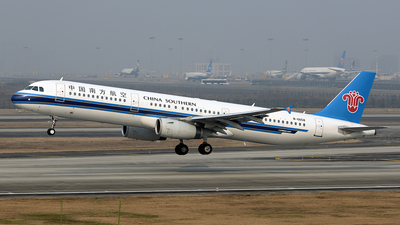 B-6658 - Airbus A321-231 - China Southern Airlines