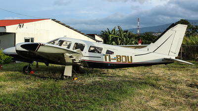 TI-BDU - Piper PA-34-200T Seneca II - Paradise Air