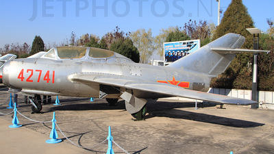 42741 - Mikoyan-Gurevich MiG-15UTI Midget - China - Air Force