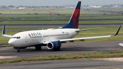 N306DQ - Boeing 737-732 - Delta Air Lines