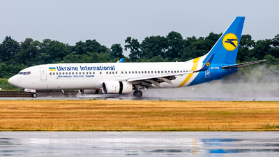 UR-PSQ - Boeing 737-86N - Ukraine International Airlines