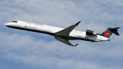 C-GJNZ - Bombardier CRJ-900LR - Air Canada Express (Jazz Aviation)