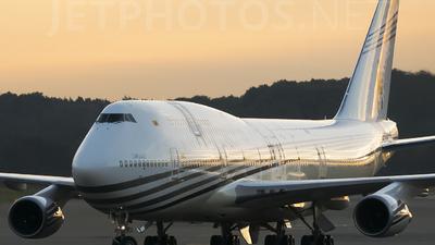 V8-ALI - Boeing 747-430 - Brunei - Sultan's Flight